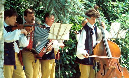 de Poolse dansgroep 'Gornicy-Debiensko' (1994)