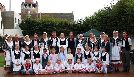 folkdance group 'De Hovelingen-Viking'      Gistel (Flanders, Belgium)