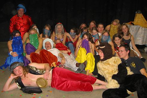 De Sint op bezoek bij Alladin in 2005